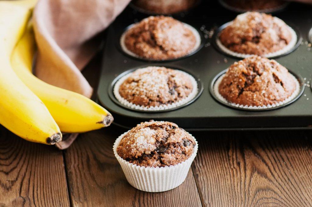 מאפינס בננה ושבבי שוקולד – המזווה בוטיק אוכל