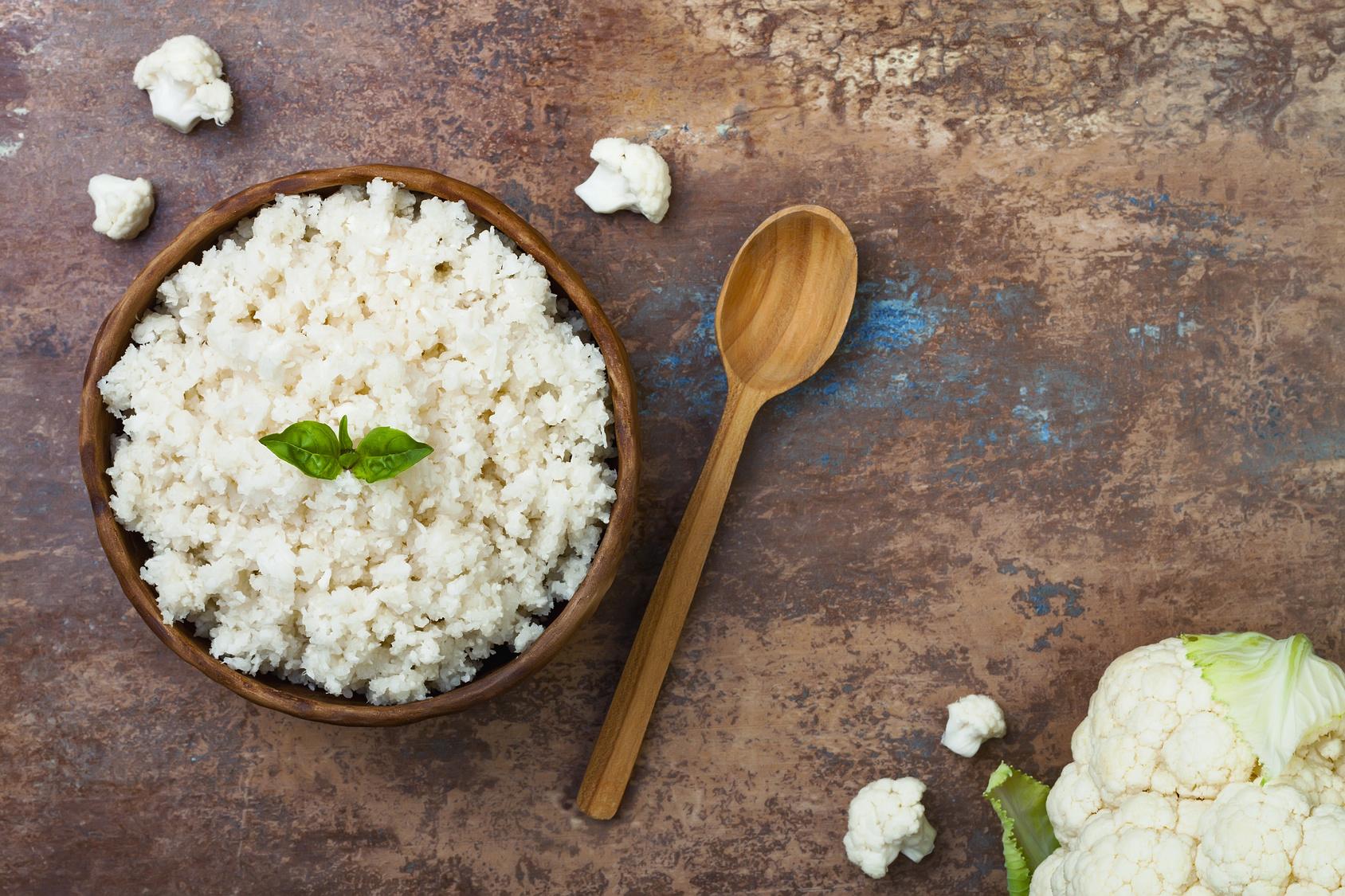 מוקפץ עוף ואורז כרובית