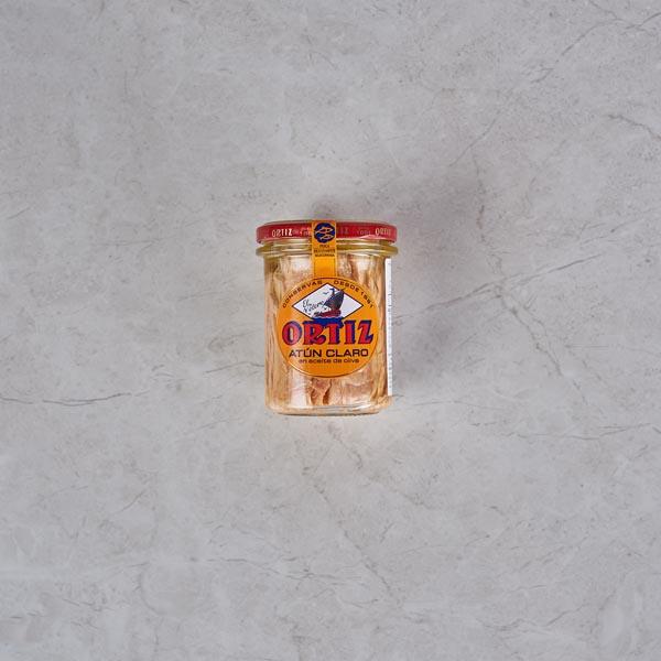 טונה אורטיז בצינצנת